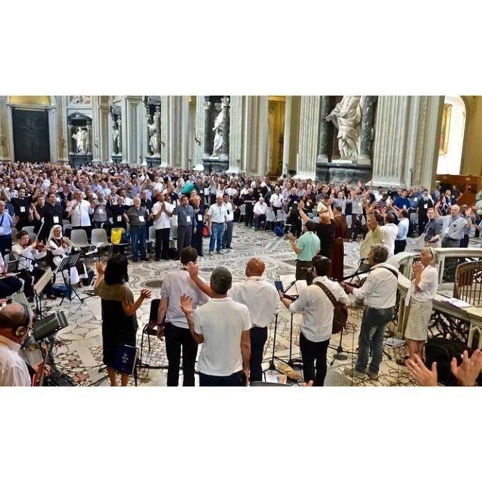 Харизматическое движение среди католиков